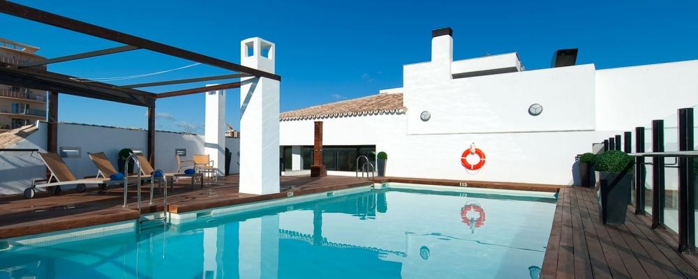 mini piscina del hotel vincci selección posada del patio en Málaga