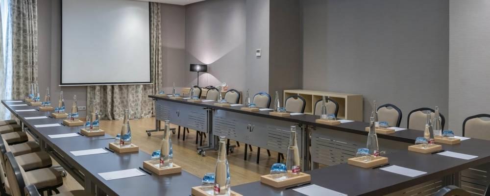 sala de reuniones para eventos en el hotel Vincci selección posada del patio en málaga