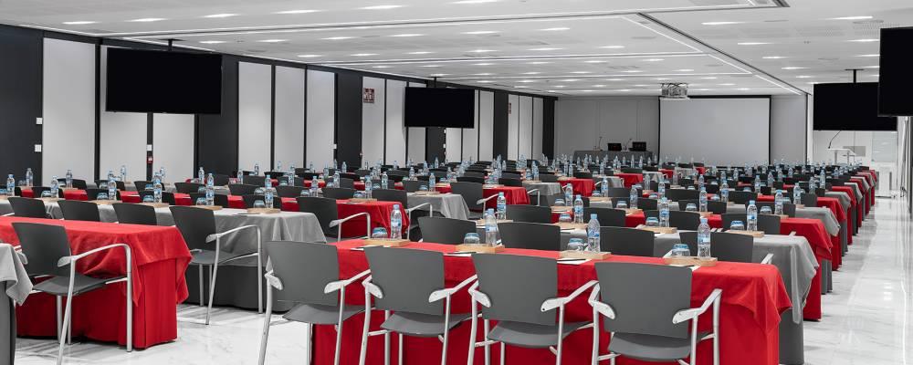 espacio para reuniones en el hotel vincci soma de Madrid