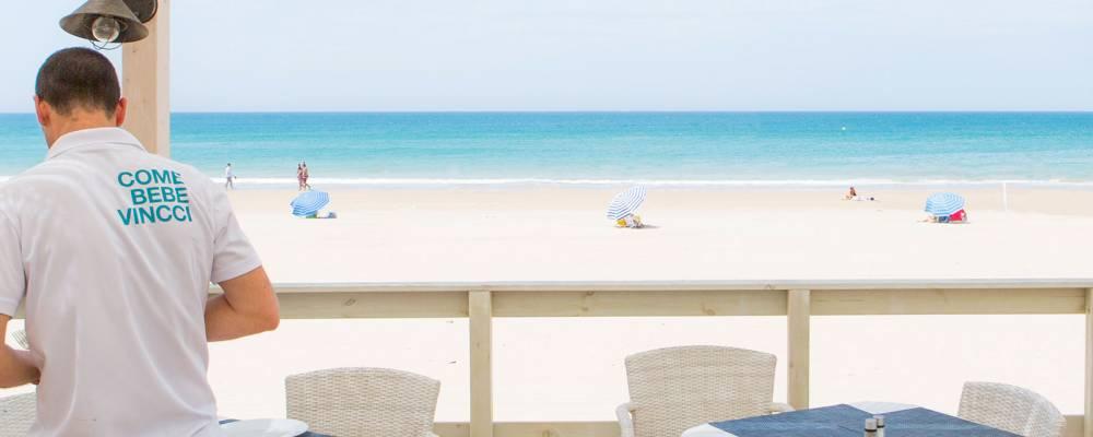 Vistas desde el chiringuito de playa del hotel Vincci Costa Golf 4 estrellas Cádiz