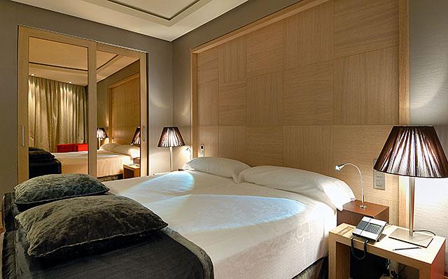 Standard room at the Vincci Frontaura 4* Valladolid.
