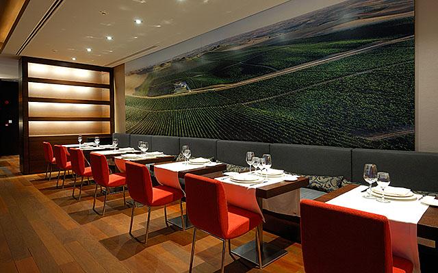 Tastevin Restaurant, Vincci Frontaura 4* Valladolid.