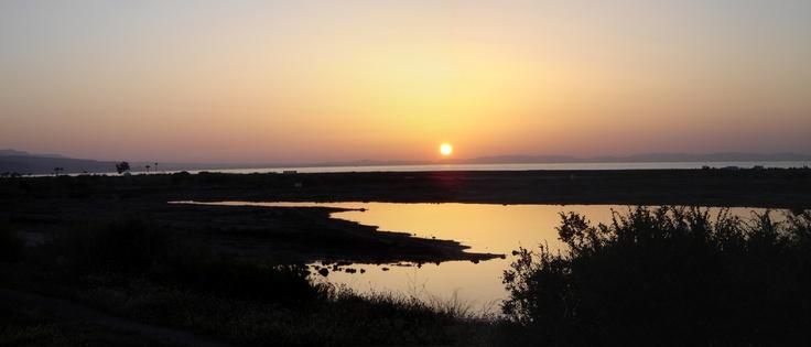 Sunset at the Playa de las Salinas, Roquetas de Mar, Almería. / Photo: buscounchollo.com