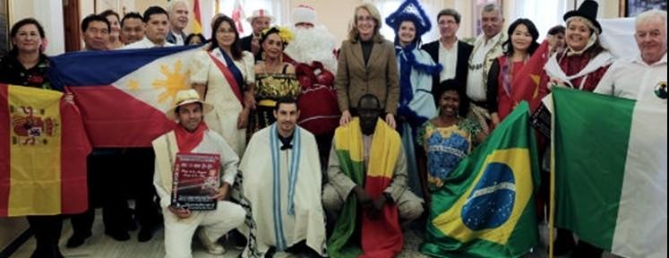 Benalmádena kicks-off Christmas in multi-cultural style
