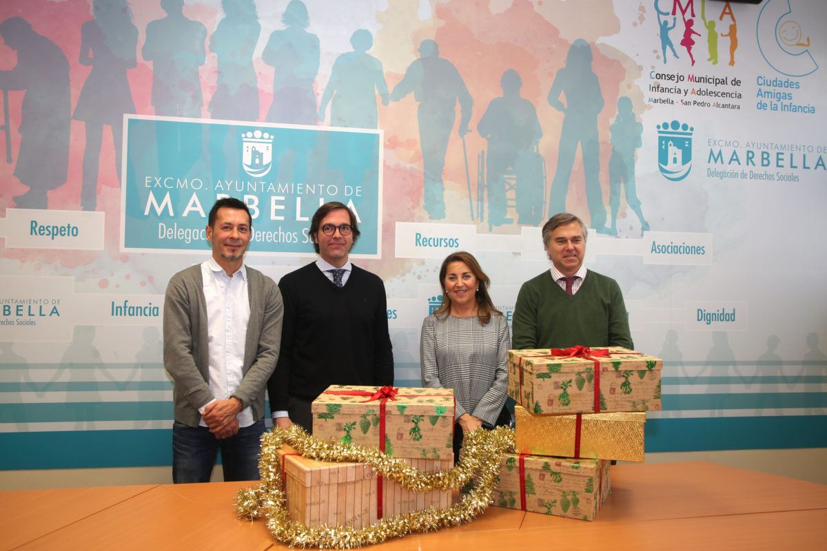 Vincci Selección Estrella del Mar 5* gifts a New Year's dinner to families in need