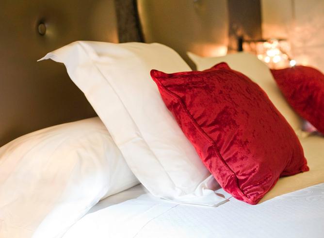 Bed at Vincci Capitol - Valentine's Day