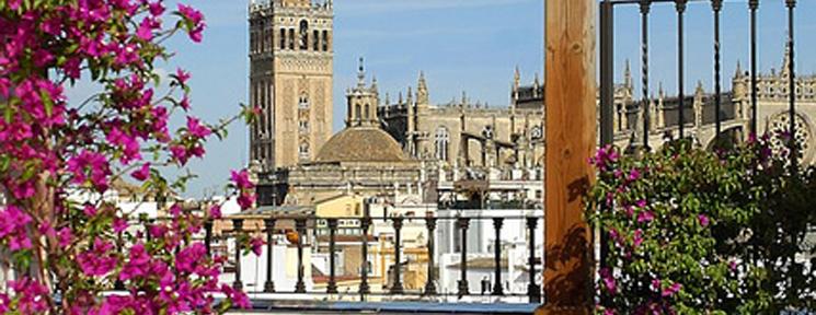 Sevilla está lista para su Feria… ¡vívela con Vincci!