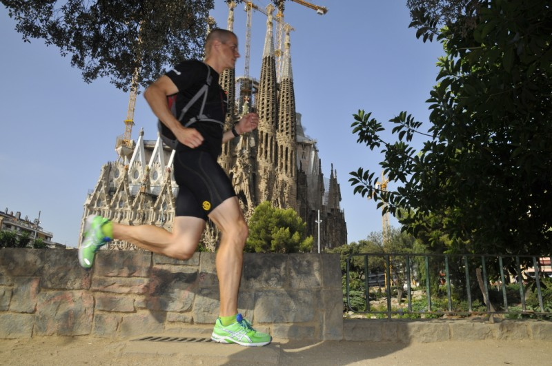 Chico practicando turismo de 'running' en Barcelona. /Foto: Global Runnings Tours.