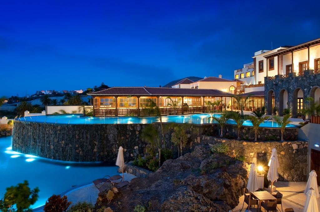 Piscina del hotel Vincci Selección Buenavista Golf&Spa 5* Lujo Tenerife.