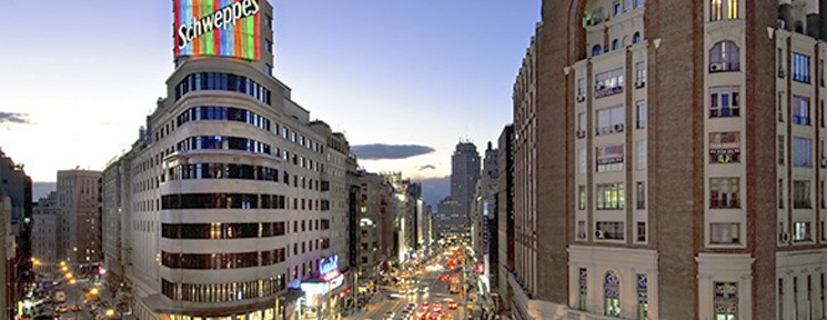 3 ciudades con encanto para disfrutar estas vacaciones : Madrid, Sevilla y Valladolid