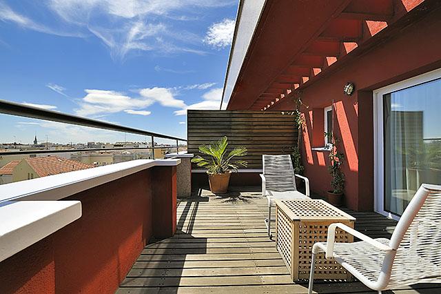 Terraza de una de las habitaciones del hotel Vincci Soma 4* Madrid.