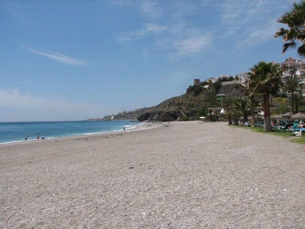 Playa de Artola, Marbella, Málaga. / Foto: www.juntadeandalucia.es