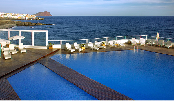 Piscina del hotel Vincci Tenerife Golf 4*.
