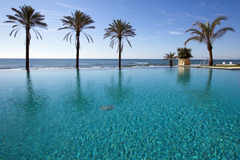 Infinity Pool de Beach Club Estrella del Mar