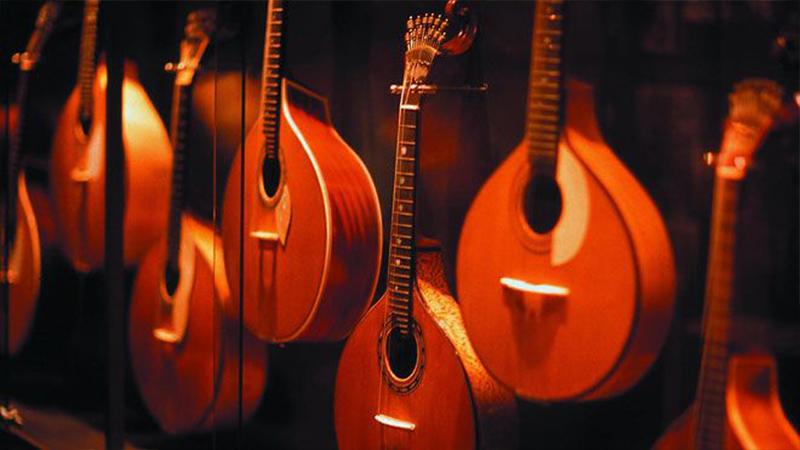 Guitarras portuguesas en el Museu do fado. / Foto: visitportugal.com.