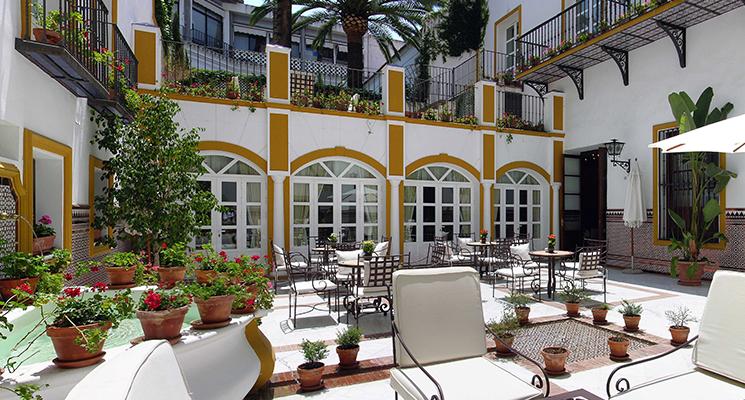 Patio interior de Vincci La Rábida 4* Sevilla