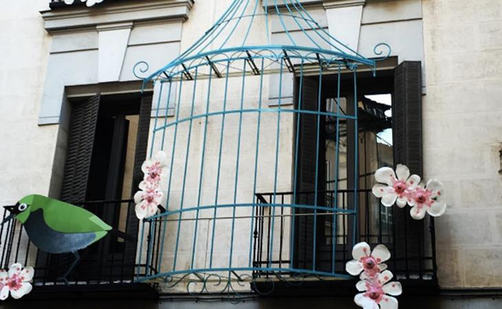 La delicadeza de los cerezos en flor embellecen la fachada de Vincci Soho 4* Madrid en DecorAcción 2016