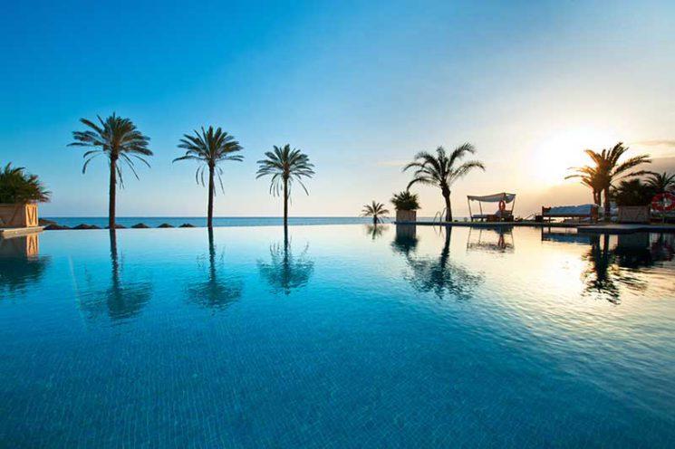 Nuestro Beach Club en Marbella colabora con la Asociación Altamar en el Día Internacional de la Mujer