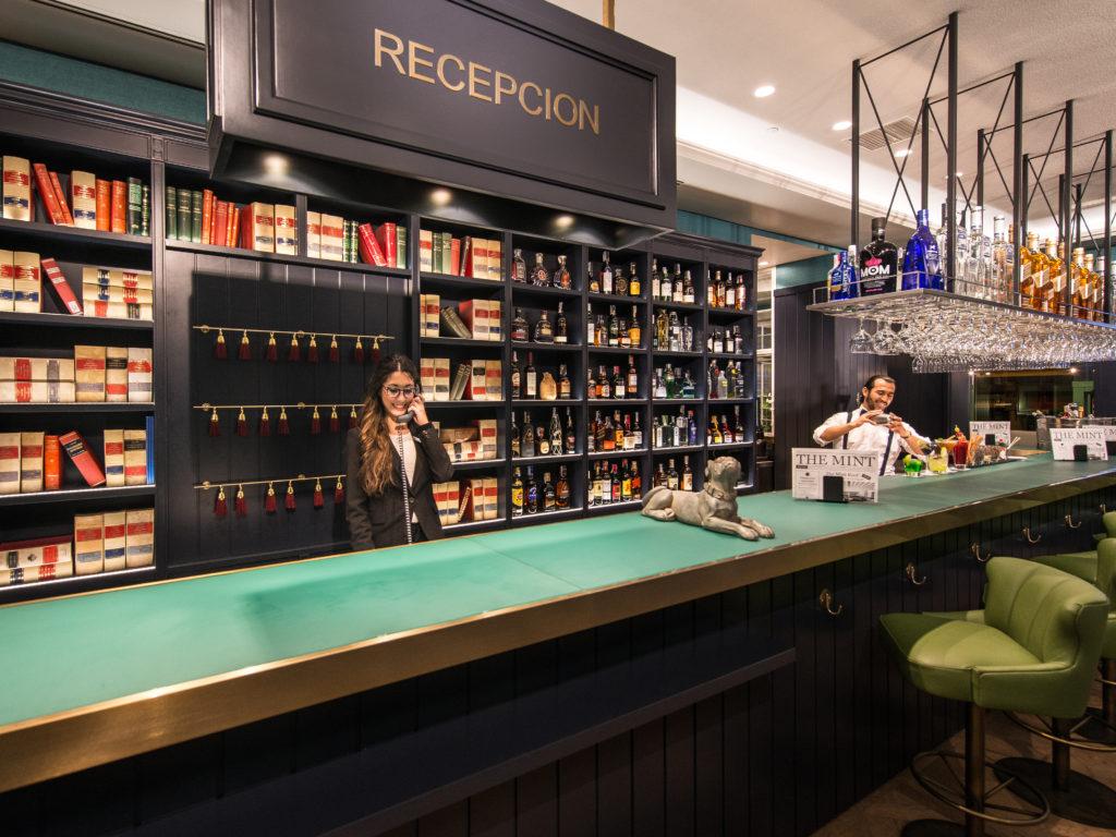 Recepción Bar en Vincci The Mint