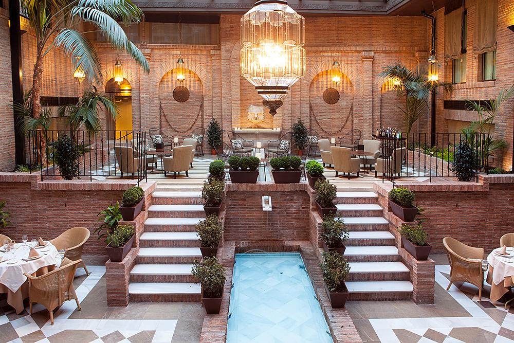 El secreto mejor guardado de Vincci Hoteles:  la frescura está en sus patios…