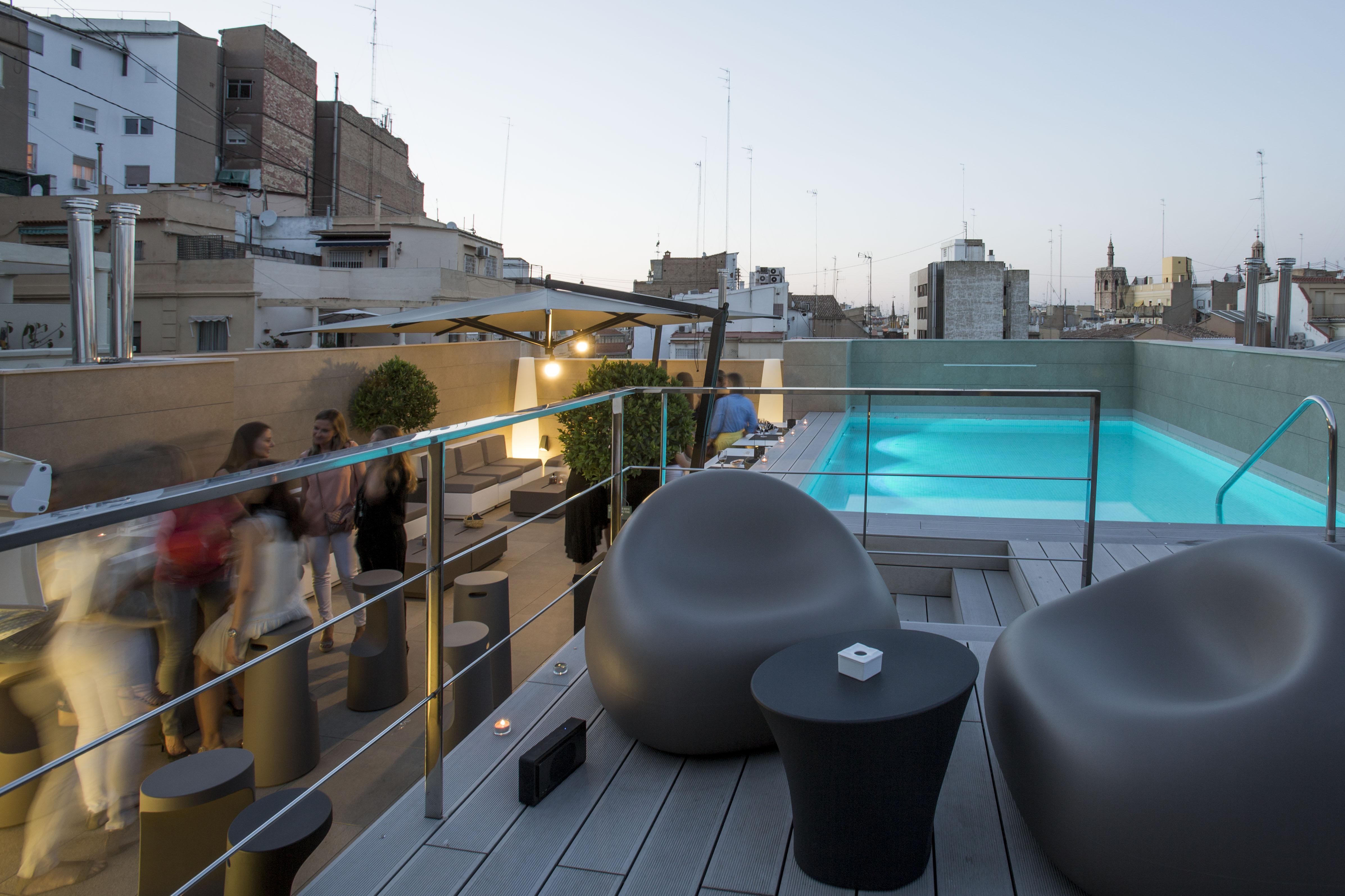 Vincci hoteles inaugura sus terrazas desde las alturas - Hoteles con encanto y piscina ...