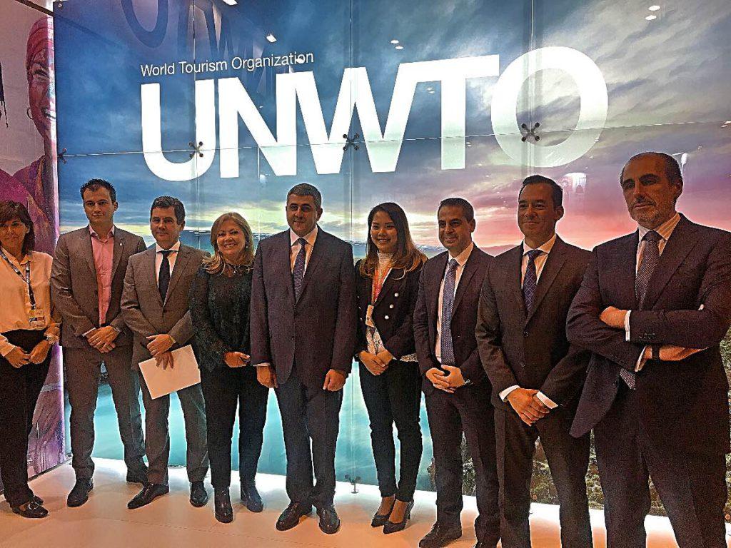 Firma Código Ético de la OMT para un turismo responsable y sostenible