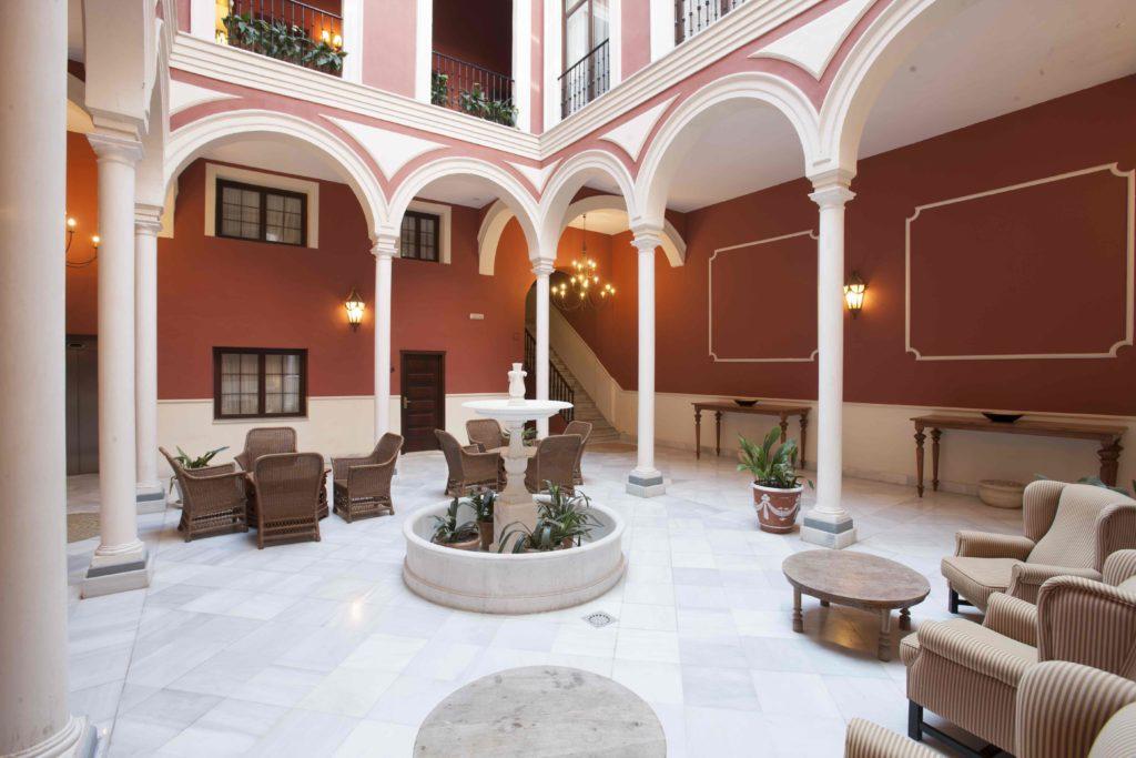 Patio hotel Vincci La Rábida