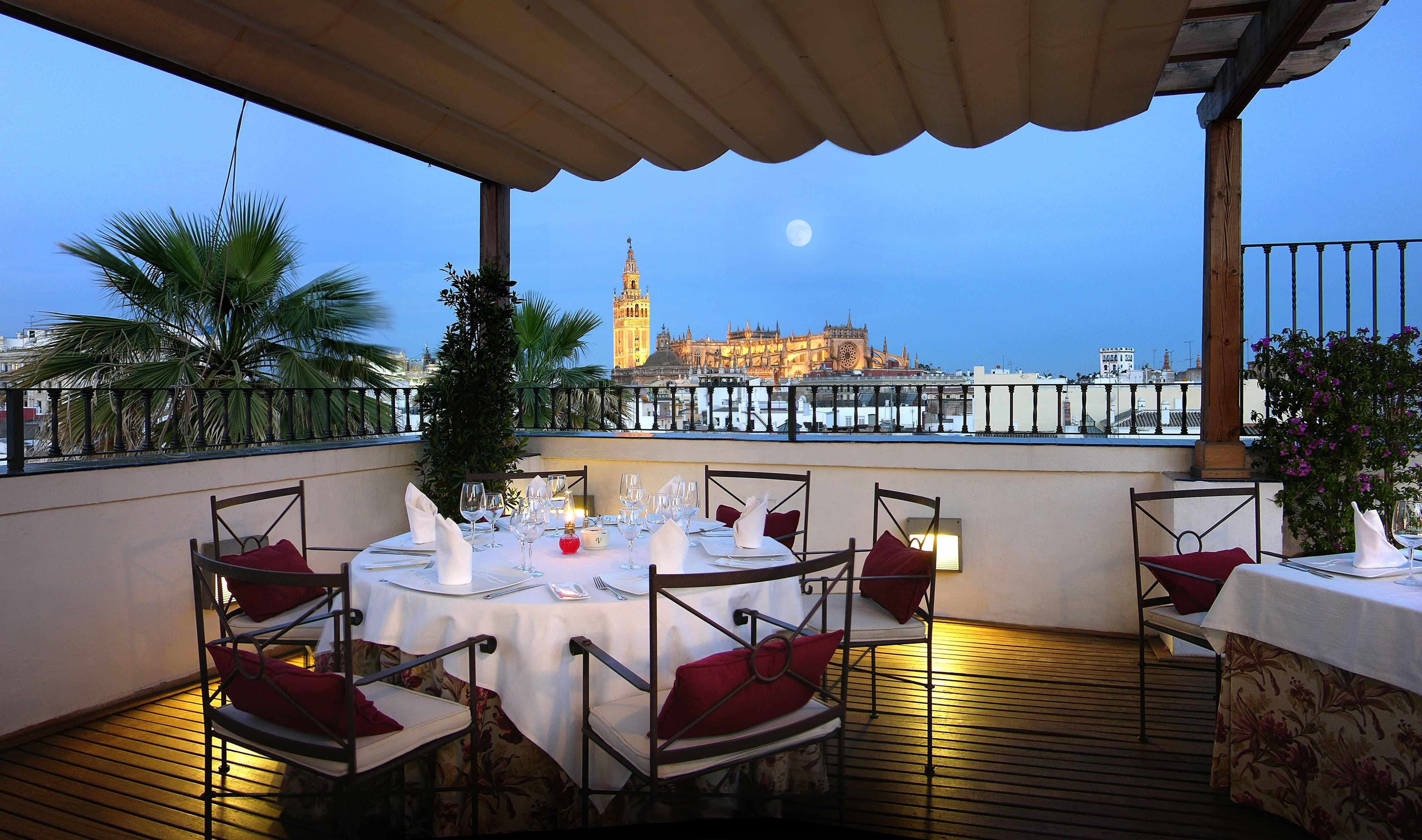 Vincci hoteles inaugura sus terrazas desde las alturas for Terraza significado
