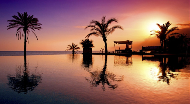 Puesta de Sol Beach Club Estrella del Mar