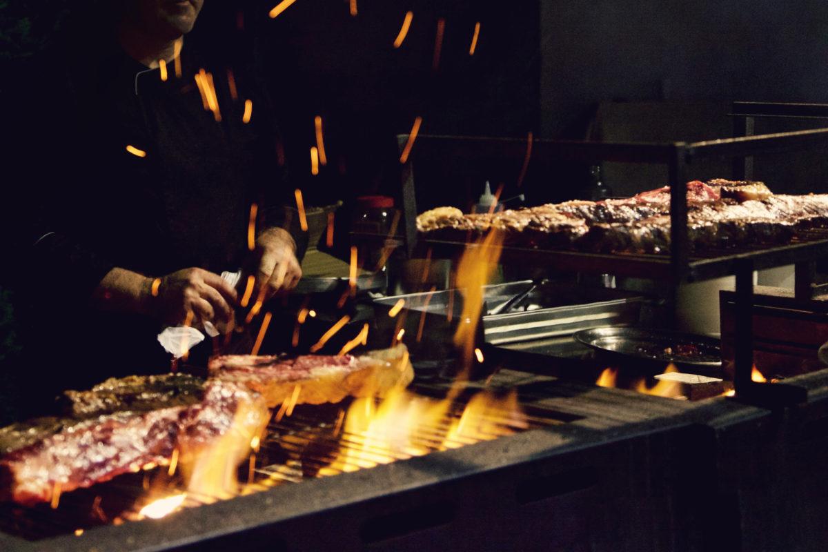 """Vincci Selección Estrella del Mar 5* enciende las brasas de su restaurante: """"El Mercado de Baraka Night&Grill"""""""