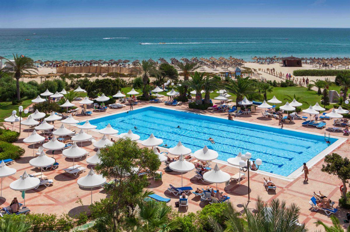 Tipos de piscinas en hoteles: desde las infinity pools hasta las exotic o roof pools de Vincci Hoteles