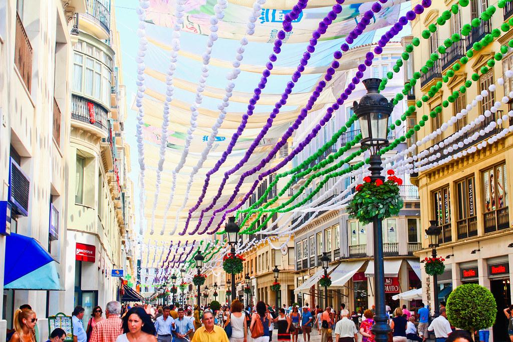 Feria de Málaga: dónde alojarse y cómo vivir la fiesta