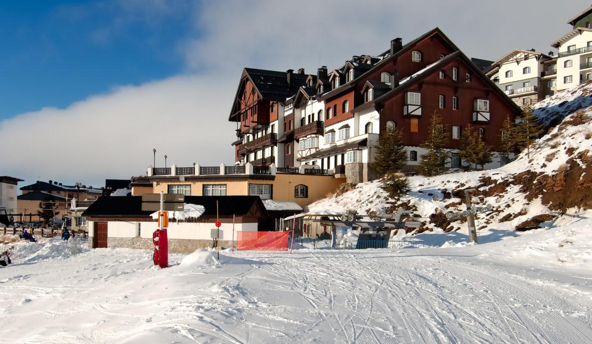 Hoteles de lujo en Sierra Nevada, con spa y a pie de pista: Vincci Selección Rumaykiyya 5*