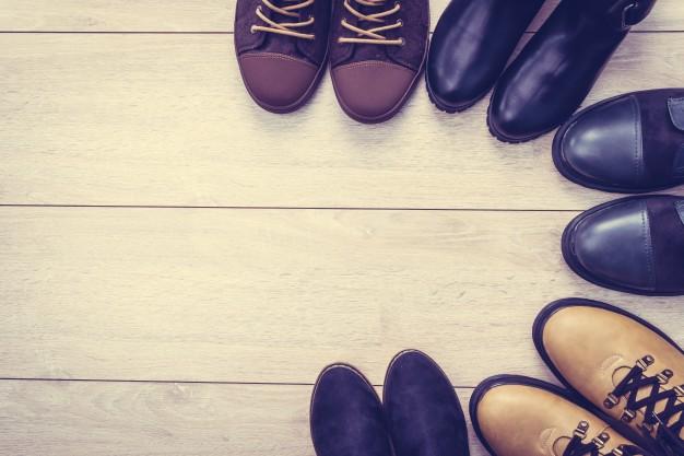 zapatos en la maleta