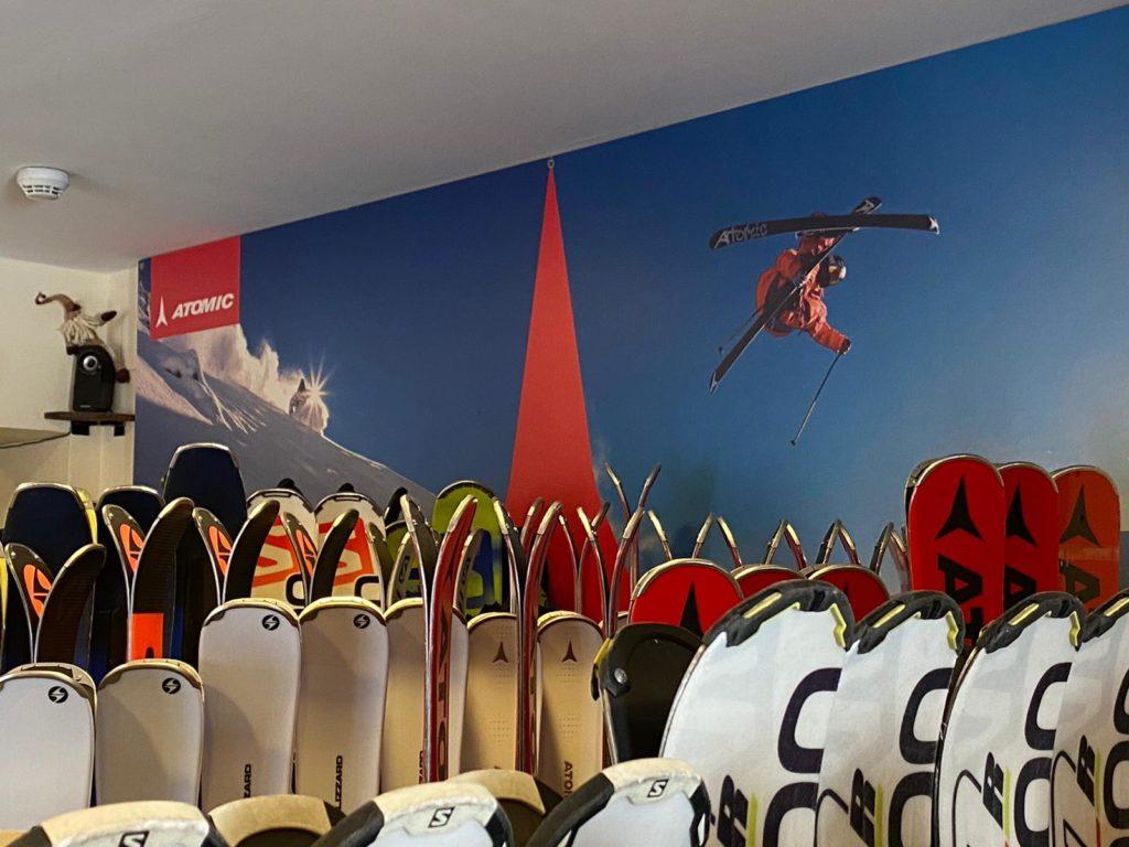 Interior de la tienda Freeride en Vincci Selección Rumaykiyya 5*
