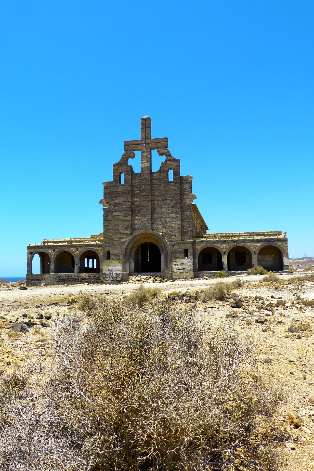 Sanatorio inacabado de Abades