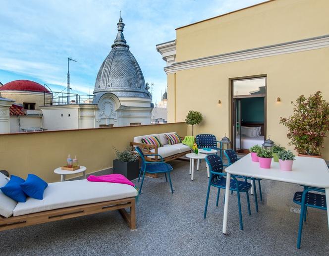 Habitación con terraza del hotel Vincci The Mint