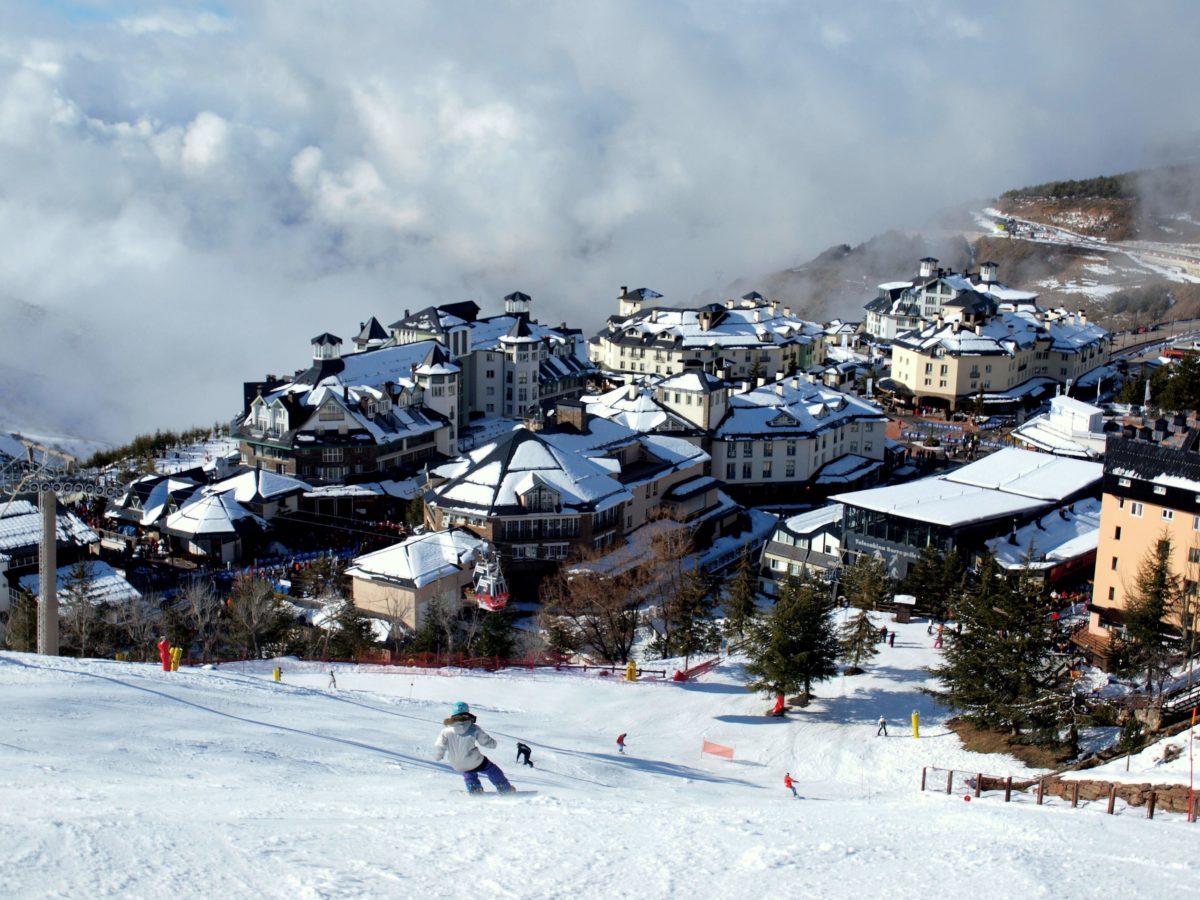 ¿Qué hacer en Sierra Nevada? Planes más allá del esquí