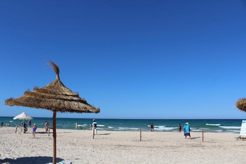 vistas desde la playa en túnez