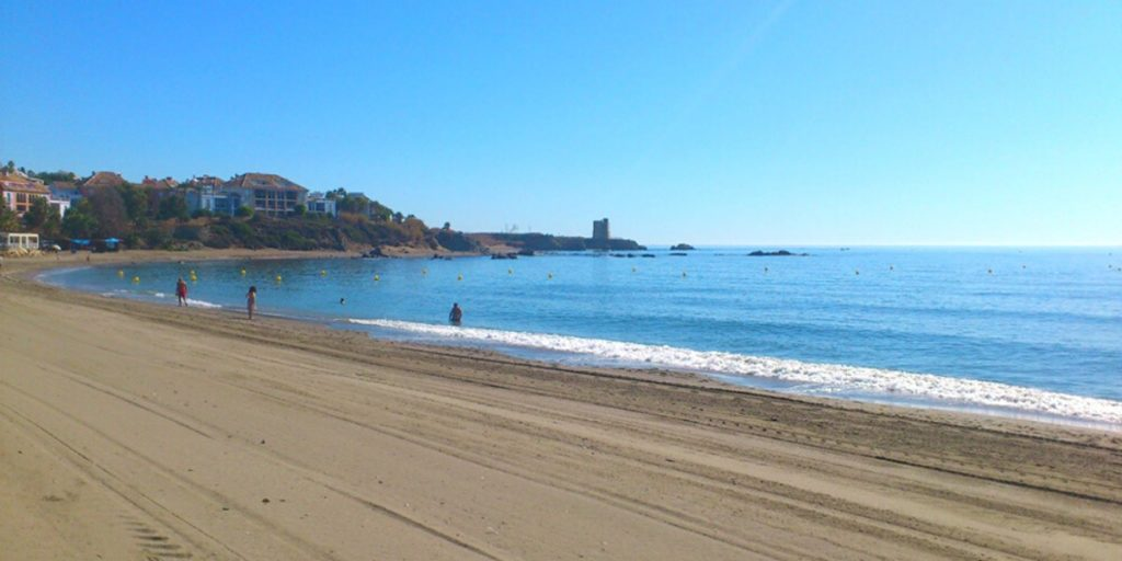 Playa de Algarrobo en Málaga,