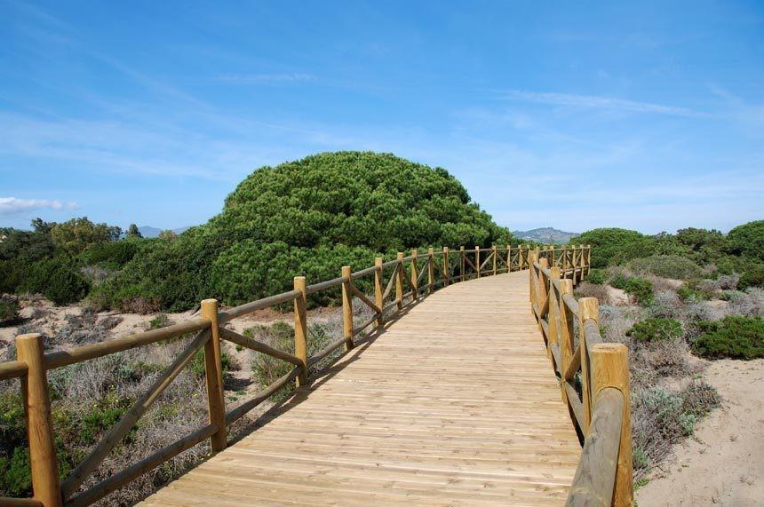 Playa de Artola en Marbella
