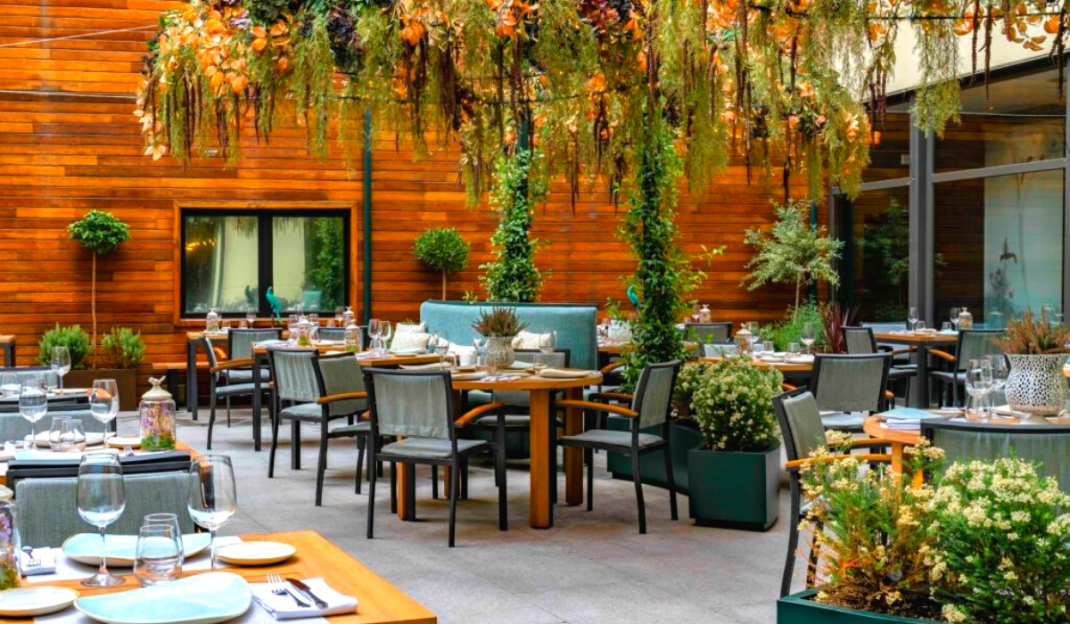 Este verano Vincci Hoteles propone disfrutar de toda la frescura de sus oasis urbanos: ¡Comienza la temporada de patios!