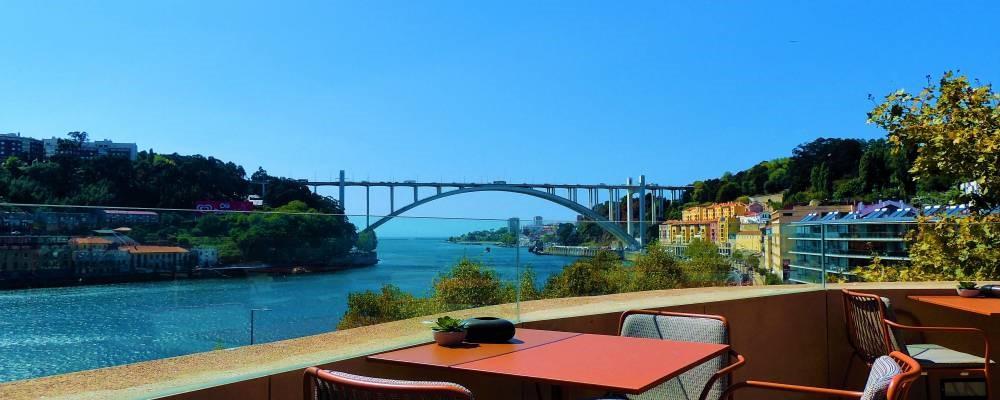 Vistas desde la terraza Douro Sky Lounge del hotel Vincci Porto