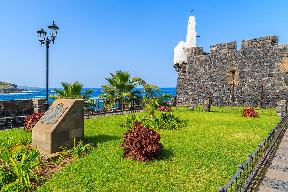 Zonza ajardinada del Castillo San Miguel