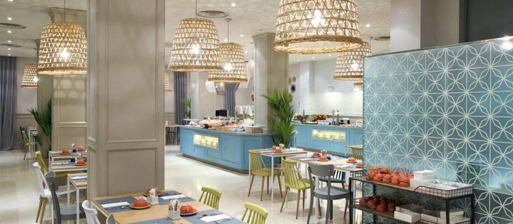 desayuno buffet del hotel Vincci Lys 4 estrellas de Valencia