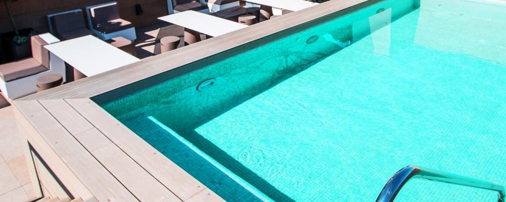 Piscina del Hotel Vincci Mercat 4 estrellas de Valencia