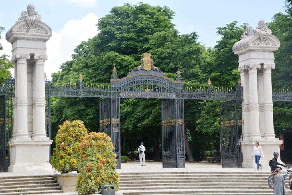 puerta españa parque retiro