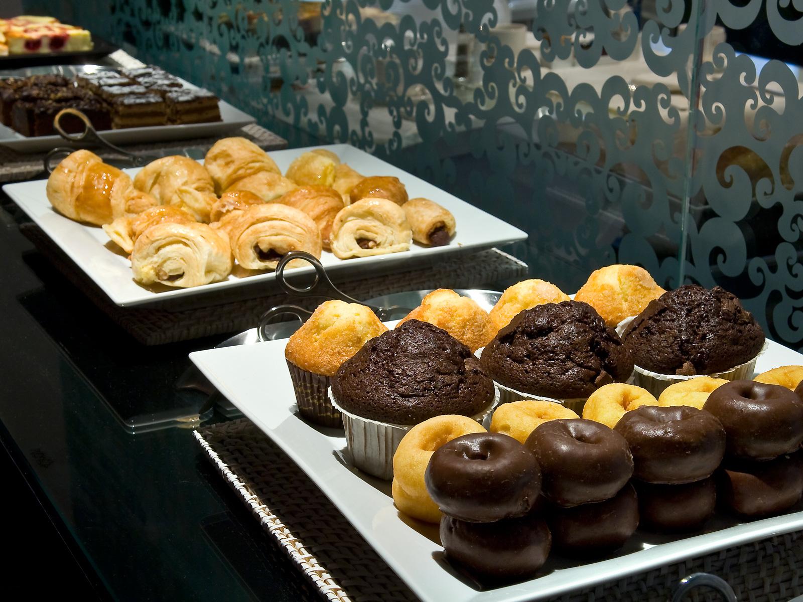 Desayuno Buffet - Vincci Vía 66 4*