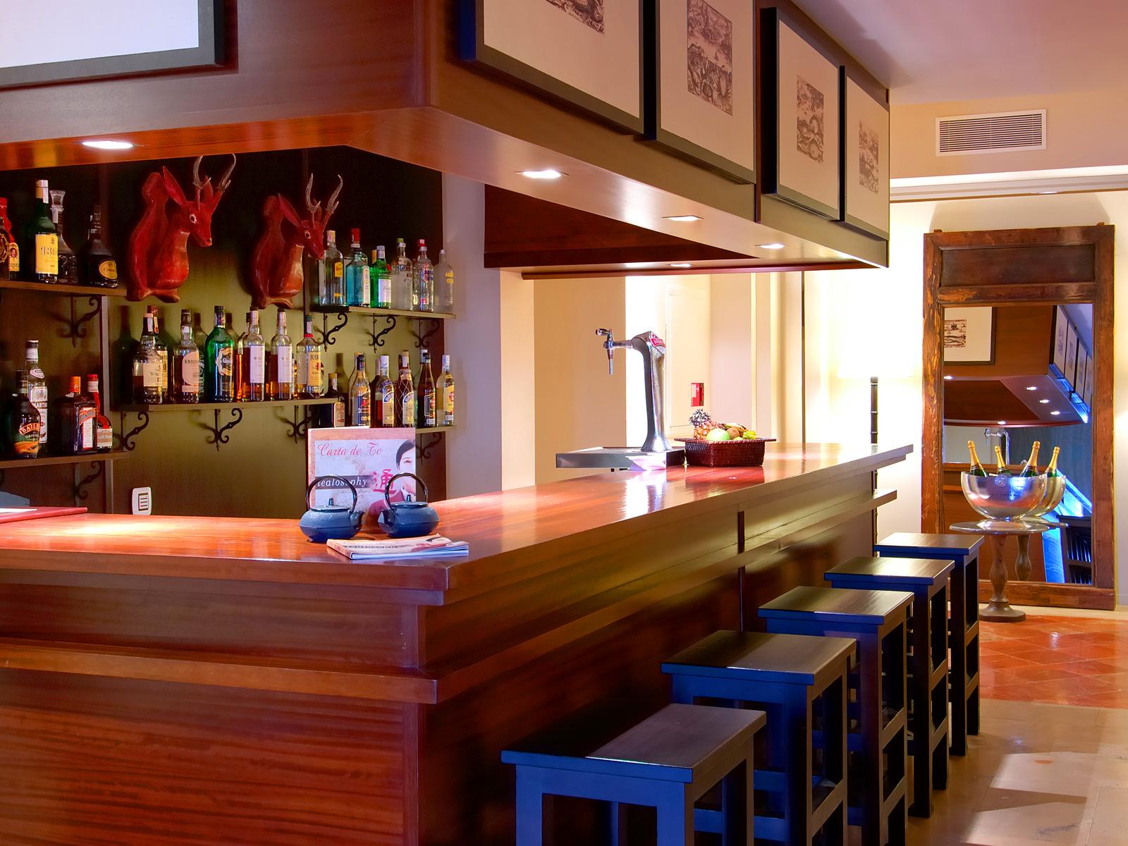 Bar Library - Vincci Selección La Plantación del Sur 5* Lujo