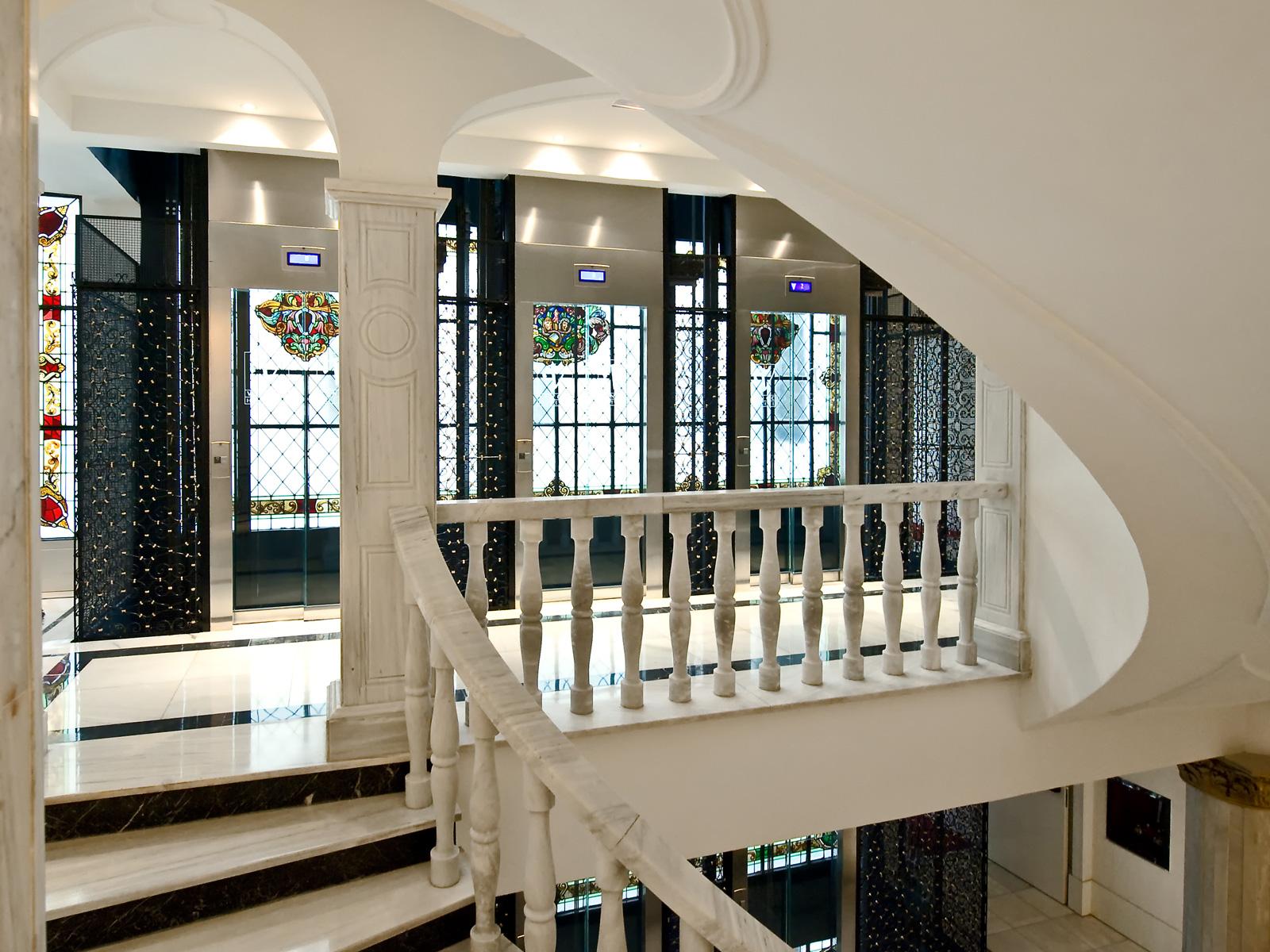 Escalera - Vincci Vía 66 4*